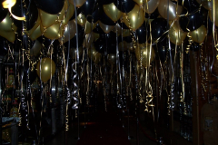 Ceiling-Balloons-Black-and-Gold
